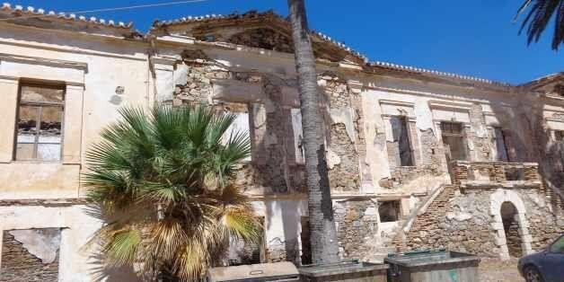 Κτίρια μεταλλευτικής μνήμης ή σκουπίδια του καιρού