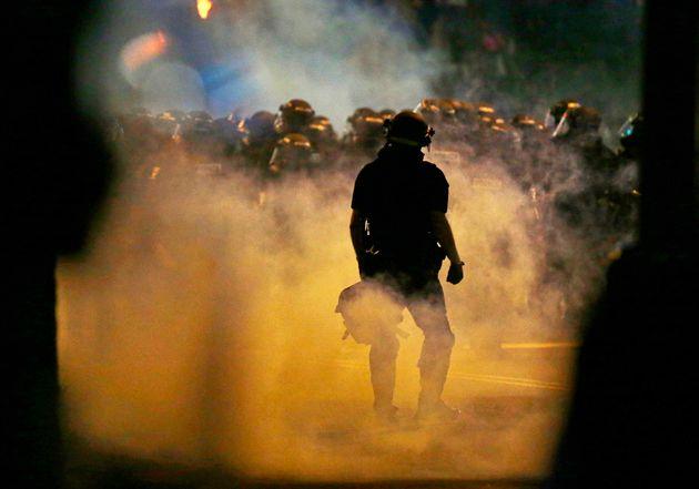 Η Σάρλοτ καίγεται. Ένας διαδηλωτής σοβαρά τραυματισμένος. Σε κατάσταση έκτακτης ανάγκης η