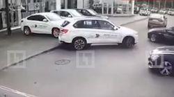 Θρασύτατη κλοπή τεσσάρων BMW από αντιπροσωπεία στην Αγία Πετρούπολη: Ήρθαν, τις πήραν,
