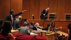 Ένταση και ειρωνείες από εκπροσώπους της Χρυσής Αυγής στη δίκη για τον άγριο ξυλοδαρμό