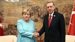 Μέρκελ: Θα χρειαστούν αρκετές εβδομάδες για να λυθεί το θέμα της κατάργησης βίζας για τους