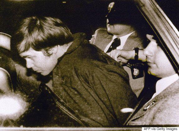 Εκτός ψυχιατρείου ο άνδρας που για να «εντυπωσιάσει» τη Τζόντι Φόστερ προσπάθησε να δολοφονήσει τον Ρόναλντ