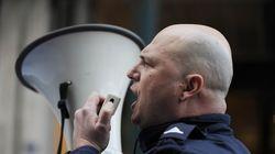 Συγκέντρωση διαμαρτυρίας αστυνομικών έξω από το Συμβούλιο της