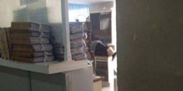 Η φωτογραφία της ΔΟΥ Καλαμαριάς που έγινε viral: Ένας υπνάκος στο γραφείο είναι