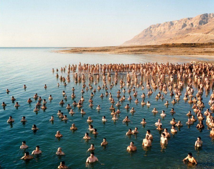 Η Νεκρά Θάλασσα που ξέραμε δεν υπάρχει πια και αυτοί οι 1200 γυμνοί Ισραηλινοί το