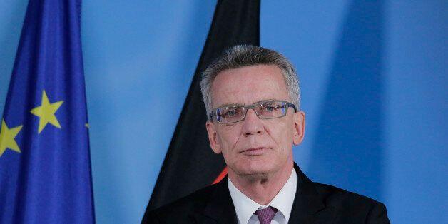 (GERMANY OUT) Berlin, Hotel Adlon , Bundesinnenminister Thomas de Maizière trifft seinen französischen...