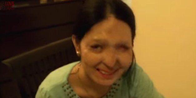 Ινδή θύμα επίθεσης με οξύ θα περπατήσει στην πασαρέλα της Εβδομάδας Μόδας της Νέας