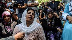 «Ντροπή σου Ερντογάν»: Η οργή στην κηδεία των θυμάτων από την επίθεση αυτοκτονίας στο