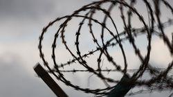Βασανισμούς και βιασμούς κρατουμένων στις συριακές φυλακές καταγγέλλει η Διεθνής