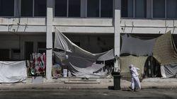Guardian: Θύματα της ελληνικής και αλβανικής μαφίας οι πρόσφυγες. Ναρκωτικά και πορνεία στους