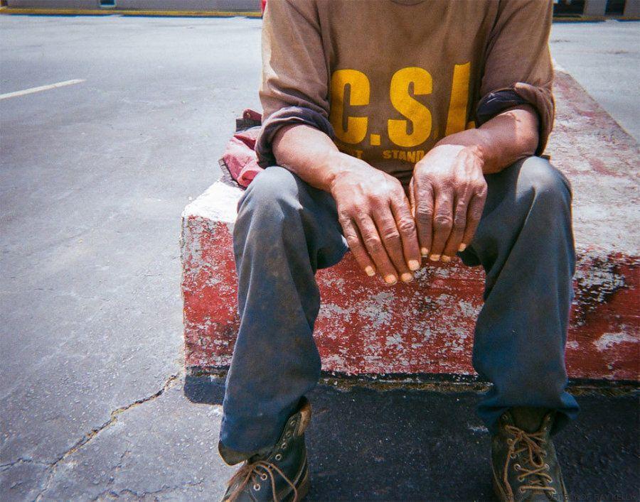 Όταν 100 άστεγοι πήραν φωτογραφικές μηχανές και έδειξαν τη ζωή τους όπως πραγματικά