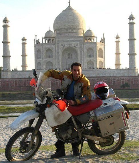Ηλίας Βροχίδης: Ο Mad Nomad που γυρνά όλο τον κόσμο με τη μοτοσικλέτα