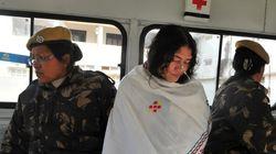 Η ακτιβίστρια της Ινδίας, Ιρόμ Σαρμίλα σταματά την απεργία πείνας μετά από 16