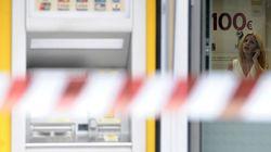 Ληστεία στην Τράπεζα Πειραιώς: Κλείδωσαν τους ομήρους στις τουαλέτες, ψέκασαν με χλώριο, έφυγαν