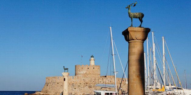 Agios Nikolaos Fortress, Entrance to port