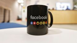 Θες δεν θες στο Facebook θα τις βλέπεις. Η εταιρεία μπλοκάρει το λογισμικό που μπλοκάρει τις