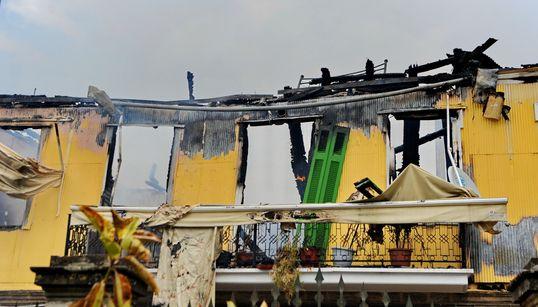 Η Λευκάδα μετρά τις ζημιές της από την πυρκαγιά στο ιστορικό κέντρο της