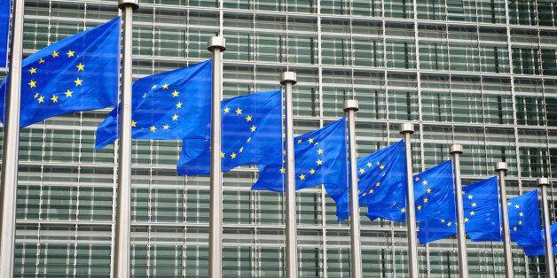 Κατανοούν αλλά ανησυχούν στην Κομισιόν για την αναστολή της Ευρωπαϊκής Σύμβασης για τα Ανθρώπινα Δικαιώματα...