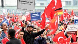 Συγκέντρωση 50.000 διαδηλωτών στην Κολονία υπέρ του
