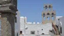 Αφιέρωμα στην Πάτμο: Η Μονή Θεολόγου που ιδρύθηκε το
