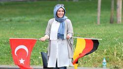Οι Γερμανο-τούρκοι να επιλέγουν υπηκοότητα στα 23 τους, εισιηγείται ο υφ.υπ. ΟΙκονομικών Γενς