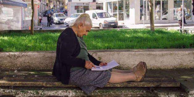 Σουλτάνα Γκέσου: Η αριστούχα 82χρονη που πήρε απολυτήριο Γυμνασίου με
