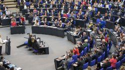 Αριστερά και Σοσιαλδημοκράτες ζητούν εξομοίωση των συντάξεων στα ανατολικά και δυτικά
