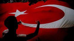 Δύο τούρκοι στρατηγοί που κρατούνταν στο Ντουμπάι μετά το πραξικόπημα μεταφέρθηκαν στην
