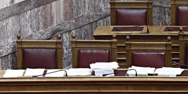 Ξεκίνησε η συζήτηση στην Ολομέλεια για τον νέο εκλογικό