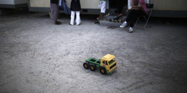 Παιδί-πρόσφυγας κρίθηκε ότι είναι ενήλικος στο Ηνωμένο Βασίλειο για το τζελ μαλλιών που