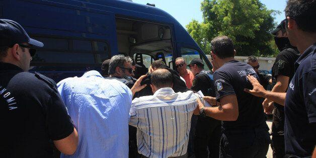 Στην υπηρεσία ασύλου οι οκτώ Τούρκοι στρατιωτικοί για την πρώτη