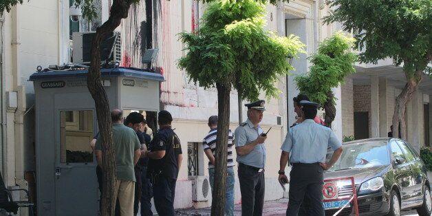 Εκτεθειμένη η ΕΛ.ΑΣ. από την «καταδρομική» επίθεση δίπλα στο Μαξίμου – Ρουβίκωνας κατά του «Σουλτάνου