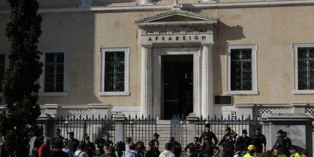 Το ΣτΕ απέρριψε τις αιτήσεις υπαλλήλων του ΣΔΟΕ να ακυρωθεί η απόλυσης τους καθώς εκβίαζαν