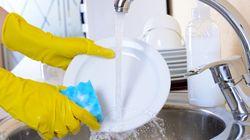 Δεν έχετε πλυντήριο πιάτων; 7 συμβουλές για εύκολο πλύσιμο στο