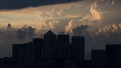 Σύννεφα πάνω από την παγκόσμια