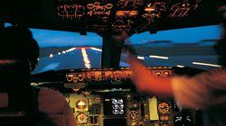 Που το 'χε το μυαλό του ο πιλότος; Επιβατικό αεροπλάνο προσγειώνεται κατά λάθος σε στρατιωτική