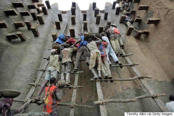 Η αρχαία πόλη από λάσπη στο Μάλι κινδυνεύει, προειδοποιεί η
