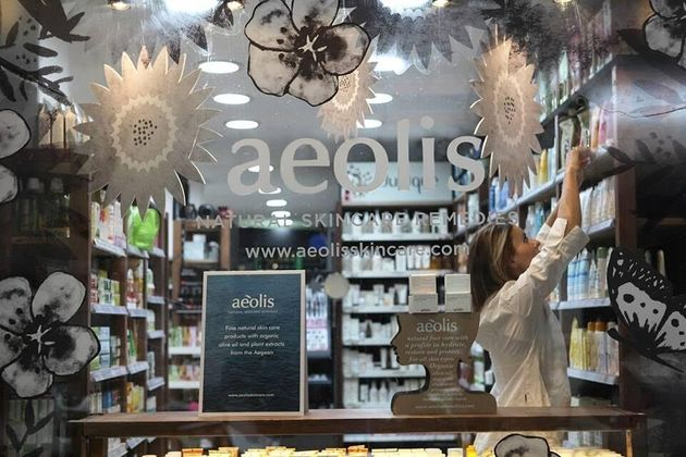 Aeolis: Τα ελληνικά καλλυντικά που γεννήθηκαν μέσα από τη φιλοσοφία του «να δίνεις και όχι να