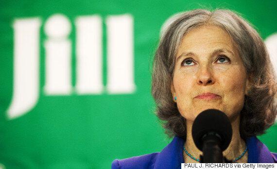 Πρόταση στον Μπέρνι Σάντερς να εκπροσωπήσει το Πράσινο Κόμμα στις