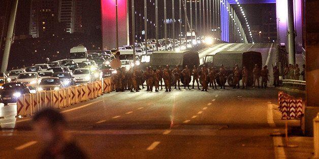 ISTANBUL, TURKEY - JULY 15: Turkish soldiers block Istanbul's Bosphorus Bridge on July 15, 2016 in Istanbul,...