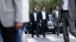 Όλα τα σενάρια ανοιχτά αφήνει ο Τσίπρας προκειμένου να καταφέρει να κερδίσει τους 200 για τον εκλογικό