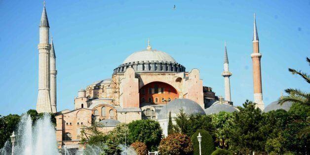 FAZ: Η μάχη Ελλάδας – Τουρκίας για την Αγία Σοφία. Οι επιδιώξεις της τουρκικής
