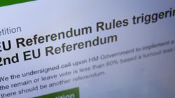 «Η απόφαση των Βρετανών πρέπει να γίνει σεβαστή», απαντά η κυβέρνηση σε όσους υπέγραψαν το αίτημα για δεύτερο