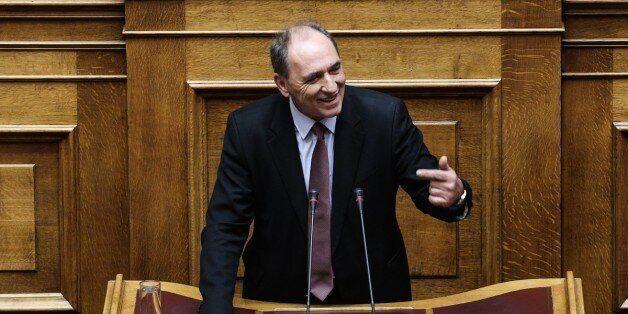 Πυρά Σταθάκη κατά ΝΔ με αφορή την πρόταση νόμου του ΚΚΕ για την ελάφρυνση των λαϊκών