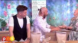 Παρουσιάστρια καρφώθηκε στο χέρι από ατζαμή μάγο on air του «Πολωνία έχεις