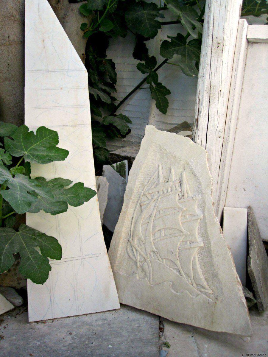 Αφιέρωμα Τήνος: Τα μαρμάρινα καραβάκια του Πέτρου Μαρμαρινού έχουν ταξιδέψει σε όλη την