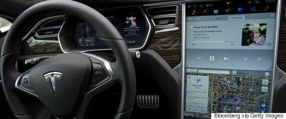 To πρώτο δυστύχημα αυτόνομου οχήματος στην ιστορία: Ένας νεκρός σε σύγκρουση Tesla Model S με αυτόματο...