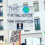 기후변화 시위에 나선 전 세계 BTS 팬들은 이렇게 말했다
