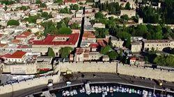 Η ανέγγιχτη από το χρόνο μεσαιωνική Πόλη της Ρόδου σε ένα μοναδικό βίντεο από