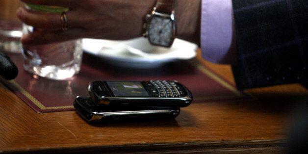 «Ακριβό μου κινητό»: Η Ελλάδα έχει την δεύτερη υψηλότερη φορολόγηση στα